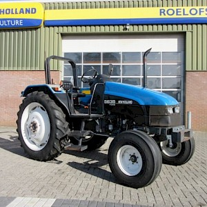 New Holland 5635