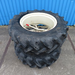 Goodyear 13.6R28 dubbellucht 5 ster molcon